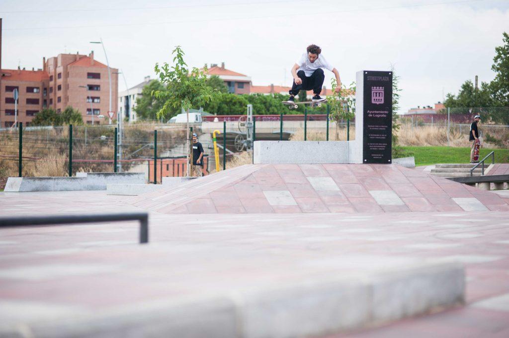 WELCOME SKATEBOARDING EN LOGROÑO STREETPLAZA